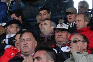 El nuevo Alcalde de Badajoz, en el palco del Vivero, Fernando Valbuena y M.A. De la Calle.