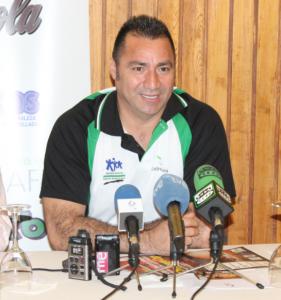 """El jugador-entrenador """"Chava"""" Zavala."""