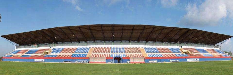 Tribuna del estadio Luis Suñer Picó.