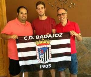 El lateral Quini, junto con Víctor López y Manuel Aguilar
