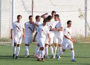 Jugadores del Flecha celebran un gol / Facebook CP Flecha Negra