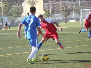 Jaime en un lance de juego ante el Talavera // IMAGEN DE LA WEB OFICIAL DEL DON BOSCO.