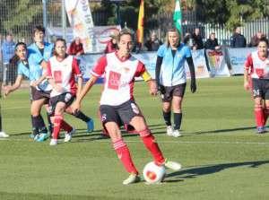 Estefa marcó el primero de penalti.
