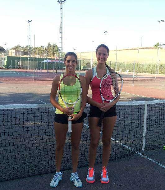 Silvia a la izquierda junto a Andrea en la final 2013 en Septiembre. Foto Radio Marca