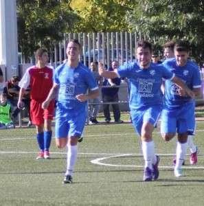 Marabe celebrando el tanto logrado en el partido de ida. // IMAGEN DE www.cpdonboscobadajoz.com