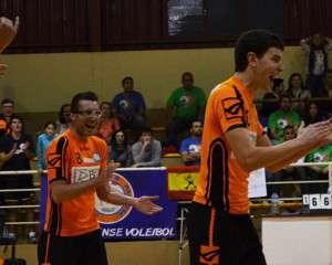 FRISER Y TAY RENUEVAN CON EL CLUB PACENSE VOLEIBOL